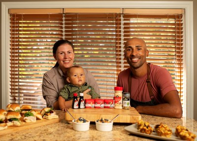 Olympic champion Damian Warner and Club House share portable fall recipes (CNW Group/Club House)